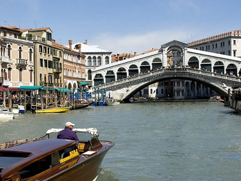 Tour of the Grand Canal(1)