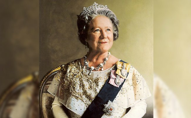 queen-elizabeth-made-history - 100 Year Olds Who Made History