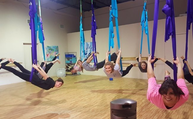fly-with-aerial-yoga-Aerial Yoga