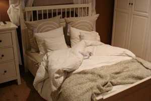 do-you-have-the-habit-of-making-your-bed