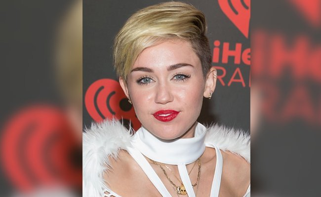 miley-cyrus-short-casual-straight-look - Hair Styles
