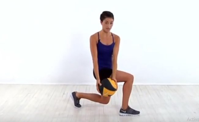 spot-lunge-chop-chest-exercise - HIIT Weight Training Routines
