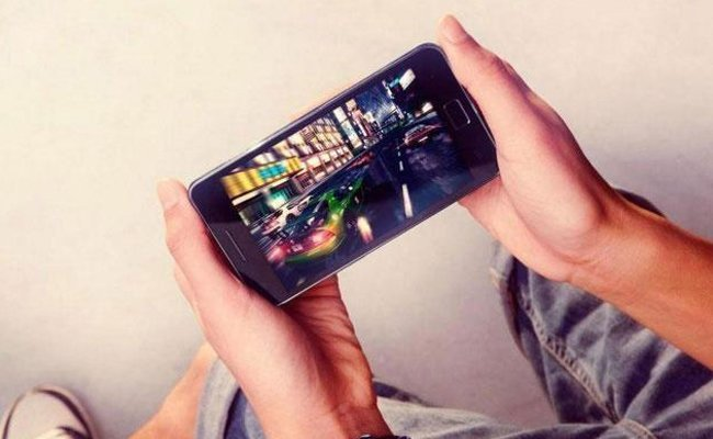 playing-games-and-streaming-video - Increase Your Phone's Battery Life