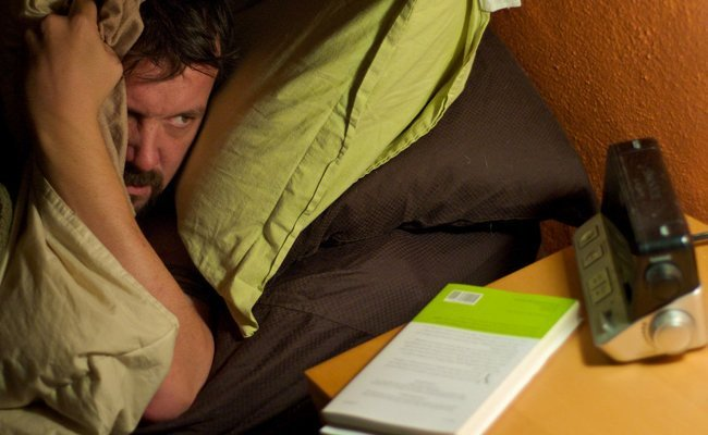 lack-of-adequate-sleep - Lifestyle Habits That Affects Your Joints