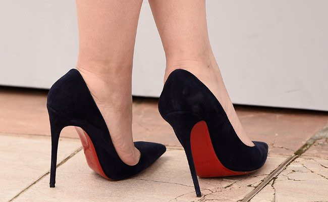 wearing-stilettos-or-high-heels - Lifestyle Habits That Affects Your Joints