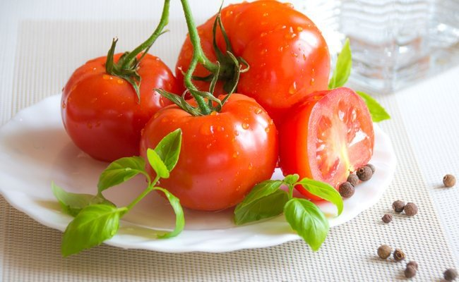 tomatoes - Under Eye Dark Circles